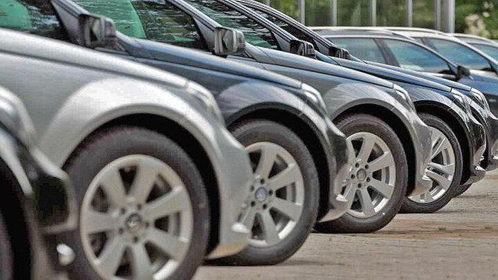 چشم انداز بازار خودرو، کاهش قیمت ها تا کجا ادامه دارد؟