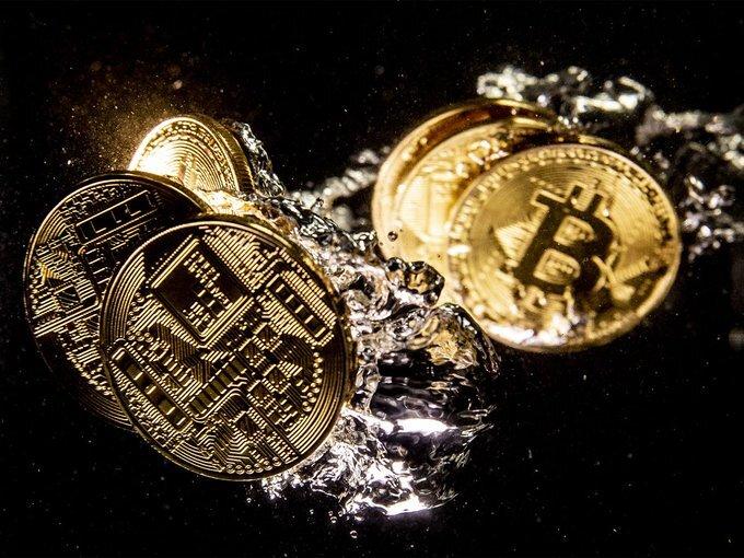 تاثیر رمز ارزها بر ارزش دلار