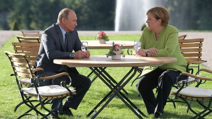 پیروزی پوتین و مرکل در برابر بایدن