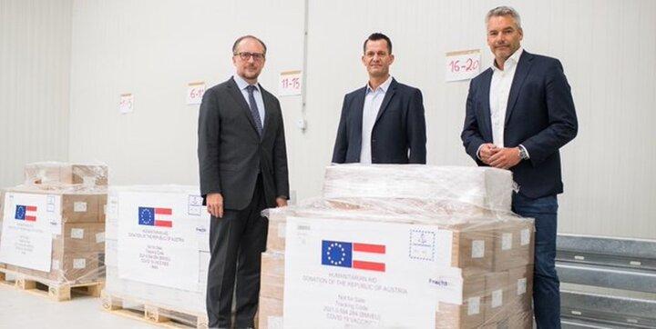 اتریش واکسن های بادکرده روی دستش را به ایران اهدا کرد