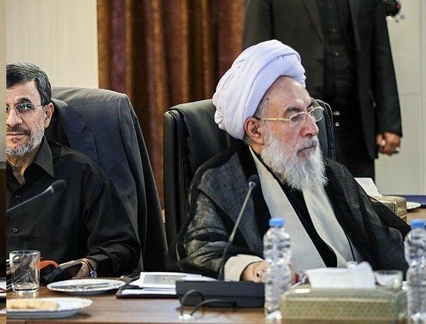 مقام ارشدی که لندکروز سوار می شود، از مردم خواست خودروی ایرانی سوار شوند!