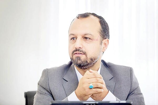 توییت وزیر اقتصاد درباره تیم جدید سازمان امور مالیاتی کشور